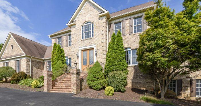 Candace Moe, REALTOR, - House for Sale 17100 Thousand Oaks, Haymarket, VA, 20169-Exterior-Walk-KMR288788
