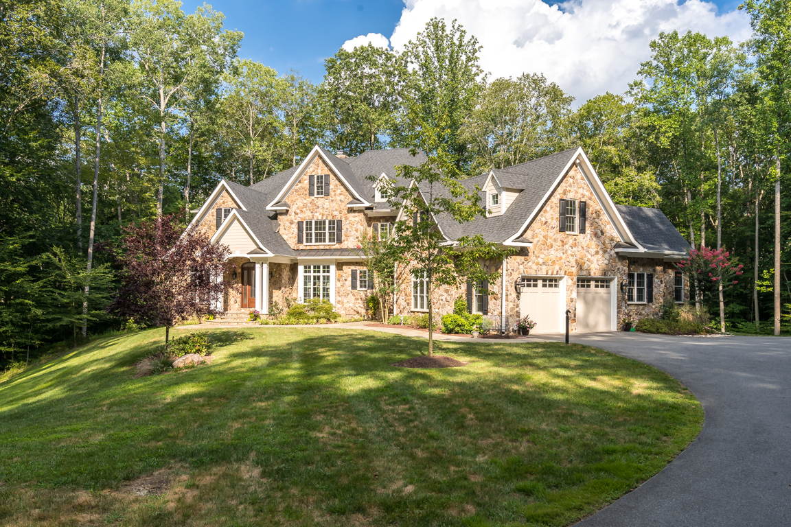 Exterior-Long-Shot-8305-Crestridge-Rd-Fairfax-Station-VA-Luxury-Home-For-Sale-Chelle-Gassan-Candace-Moe-Realtors